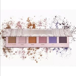 Brand new Dominique eyeshadow palette